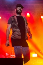 """Sam Hunt performs for more than 10,000+ fans at """"Country Night Lights""""!"""