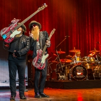 Concert Review/Photos: ZZ Top at the Palace Theatre in Columbus, OH 9/29/15