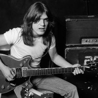 Today AC/DC announces the sorrowful passing of legendary Malcolm Young
