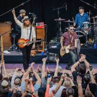 Brothers Osborne perform to a packed house at Zappos Headquarters