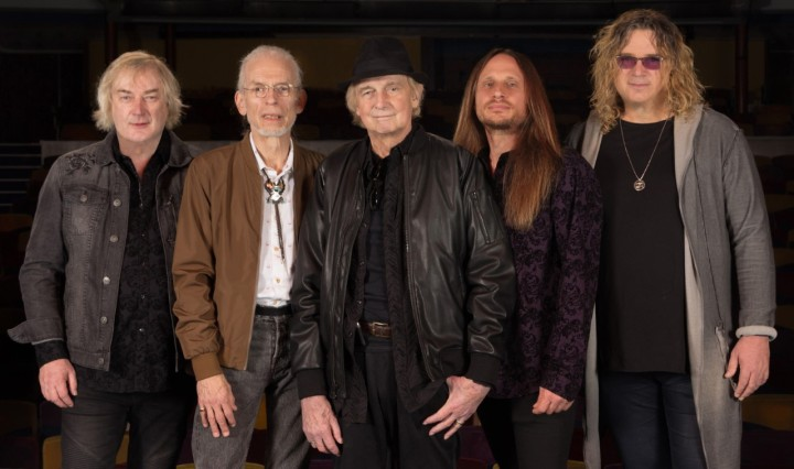 thumbnail_YES(L-R)GeoffDownes,SteveHowe,AlanWhite,JonDavison,BillySherwood_PhotoCreditGottliebBros