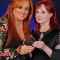 NAMI PRESENTS NAOMI JUDD WITH 'VISION OF HOPE' AWARD