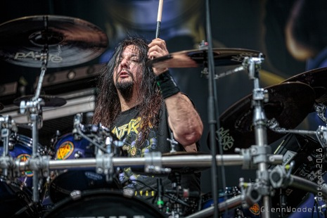 Gene Hoglan of Testament filling in on drums for Anthrax
