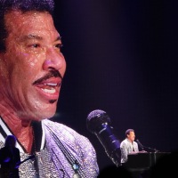 Lionel Richie Performed In Youngstown, OH, Review & Photo Gallery