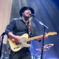 """Lee Brice Goes Double Platinum with Carly Pearce For Their Chart-Topping Hit """"I Hope You're Happy Now"""""""
